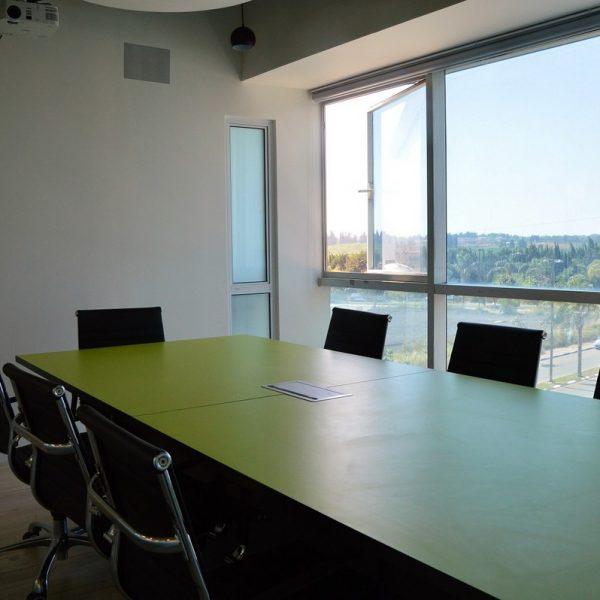 תכנון ועיצוב משרד ראשי של חב' נייל סטודיו ברעננה